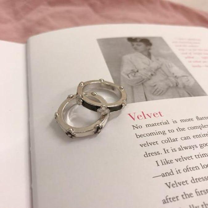 monotone flower ring set-0