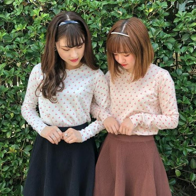 cherry knit T