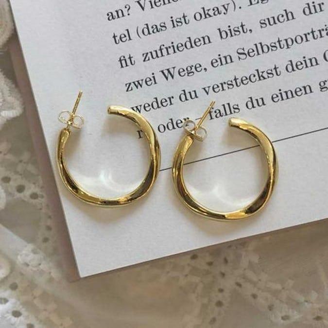 antique ring pierce-0