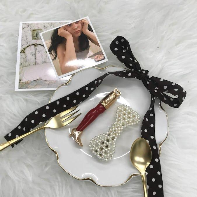 ribbon pearl barretta