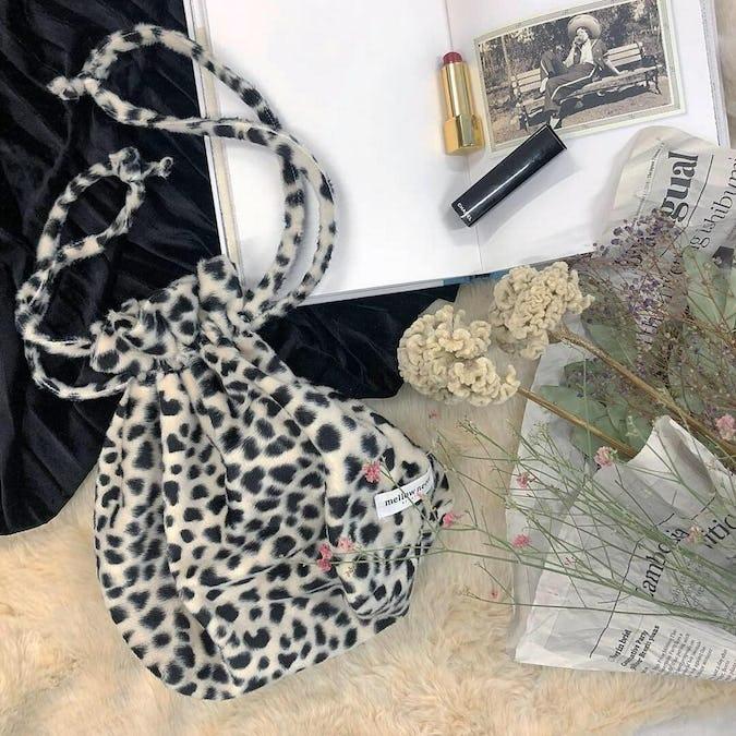 dalmatian pouch bag-0