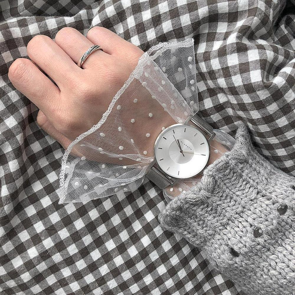 上 から の 時計 服