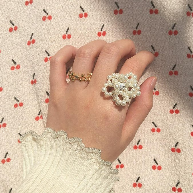 big pearl flower ring