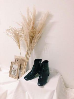square toe boots