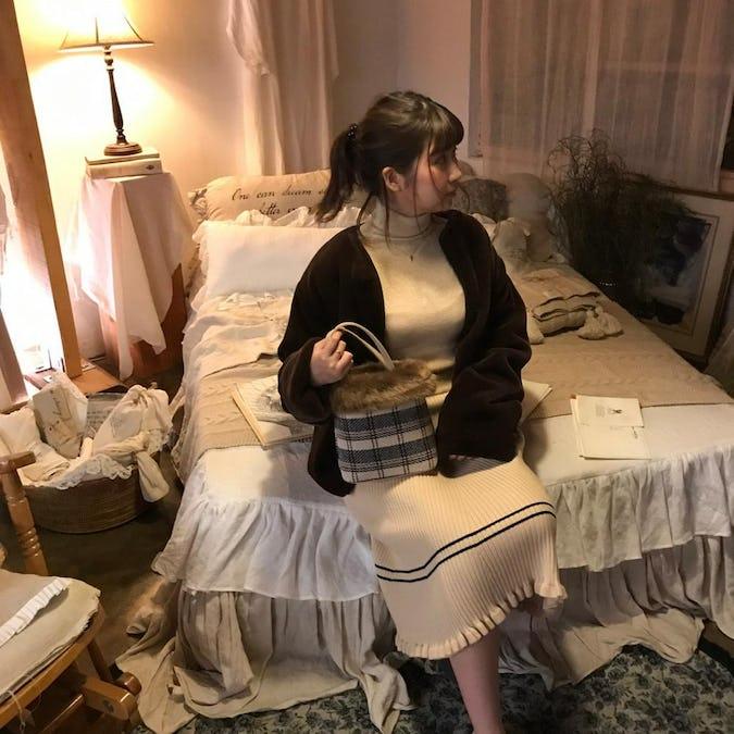 knit ruffled sk