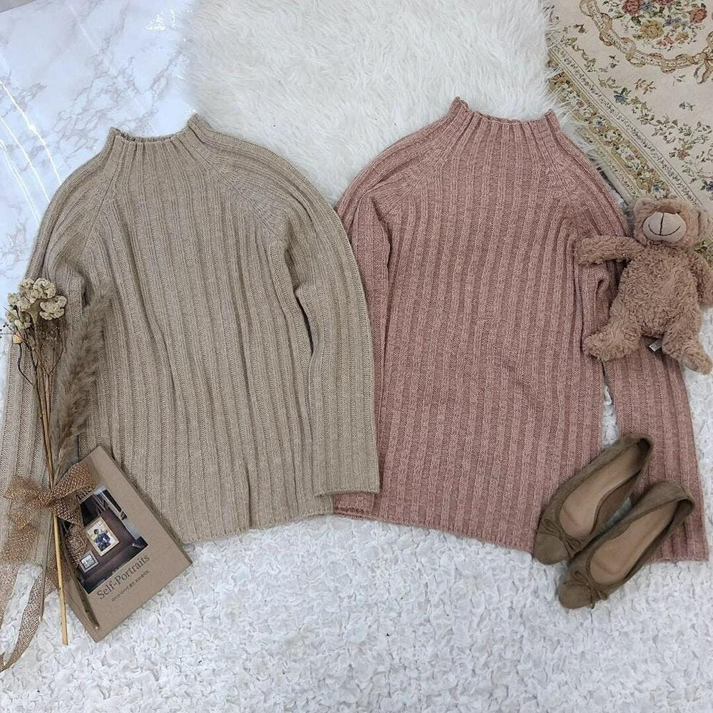 simple highneck knit