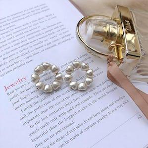 lovely pearl earring