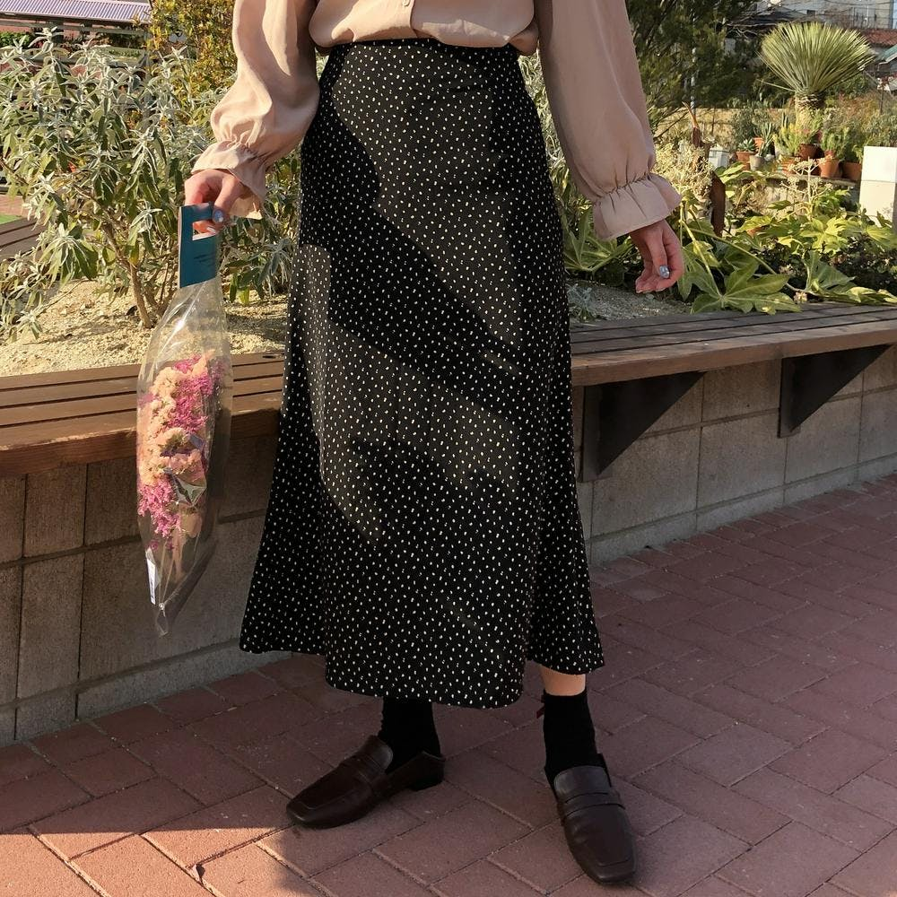 A line dot long skirt