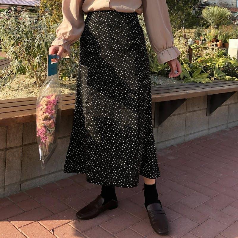 Aラインドットロングスカートの画像1枚目