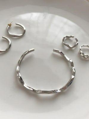 gune gune bracelet