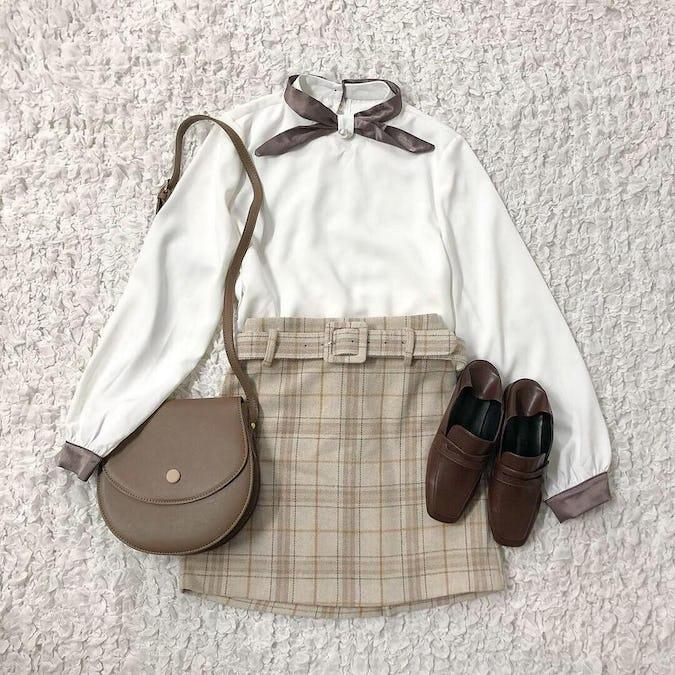 bicolor ribbon satin blouse