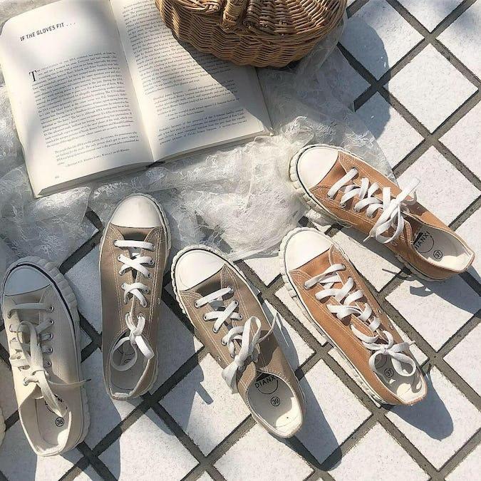 simple sneaker