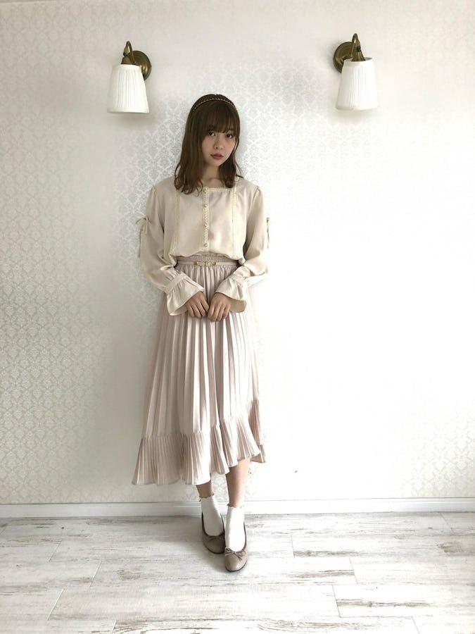 square lace ribbon blouse