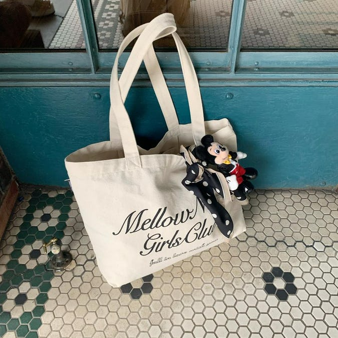 mellow's club logotote