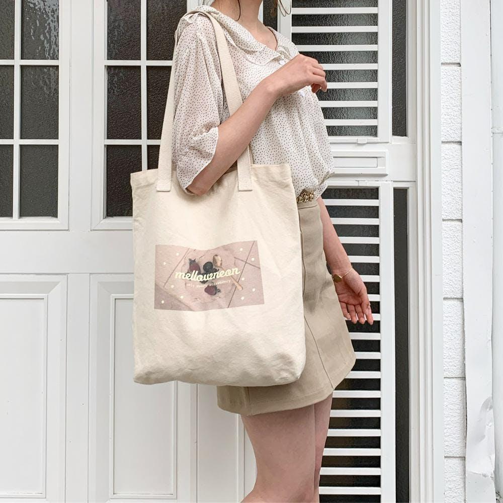 mellow's strawberry bag