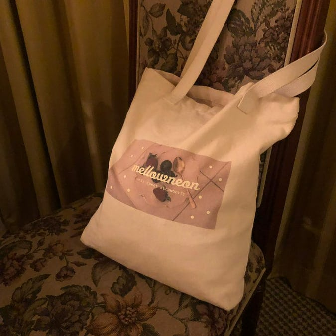 mellow's strawberry bag