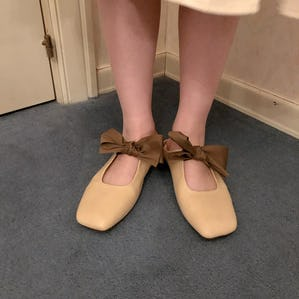 flat ribbon shoes