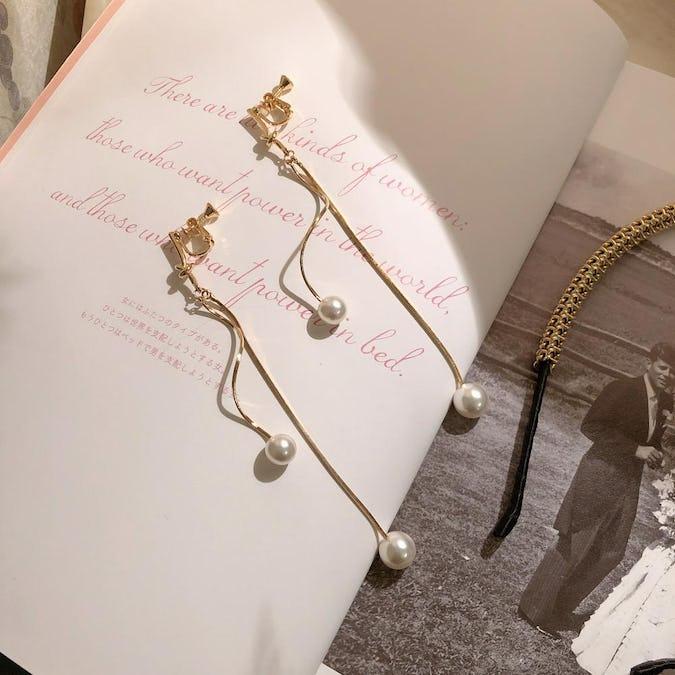 gold une earring-0