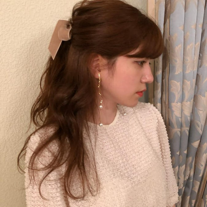 gold une earring