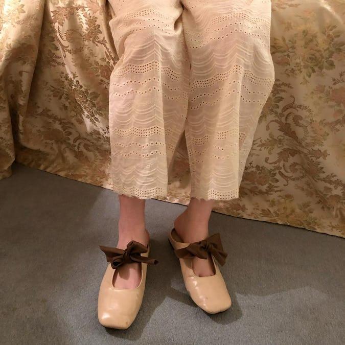 flat ribbon shoes