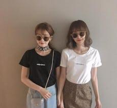 """マンネリしがちなシンプルな""""ロゴTシャツ""""の着回し術"""