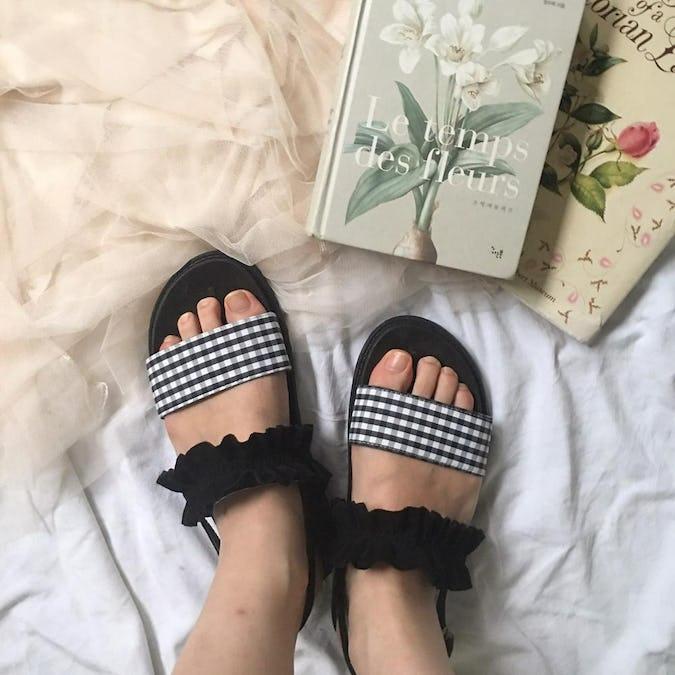 gingham & frill sandal