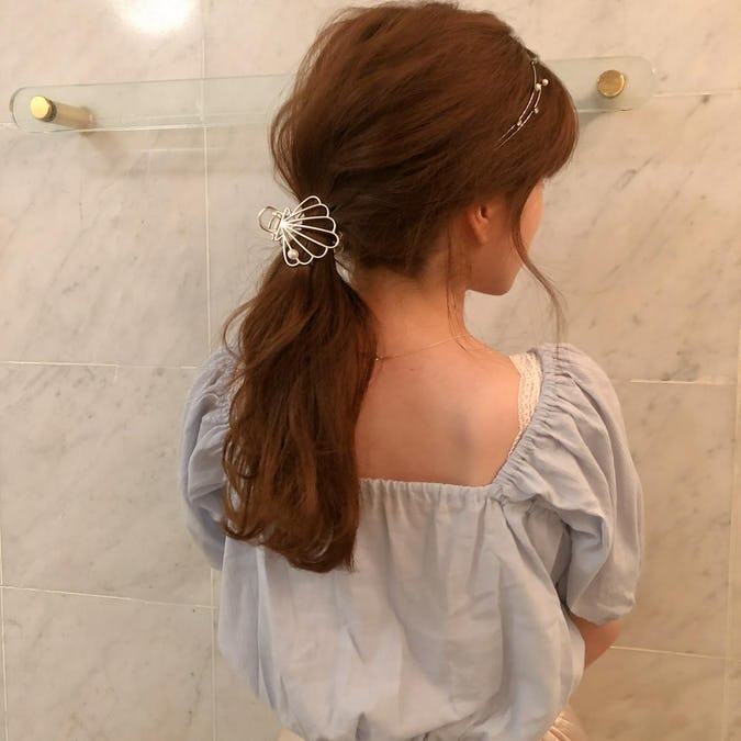 back ribbon puff blouse
