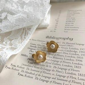 gold flower pierce