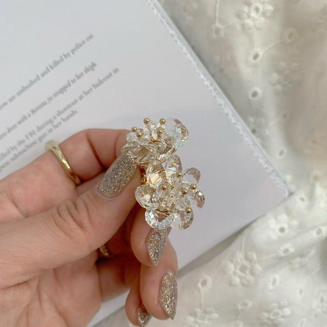 claer flower earring-0