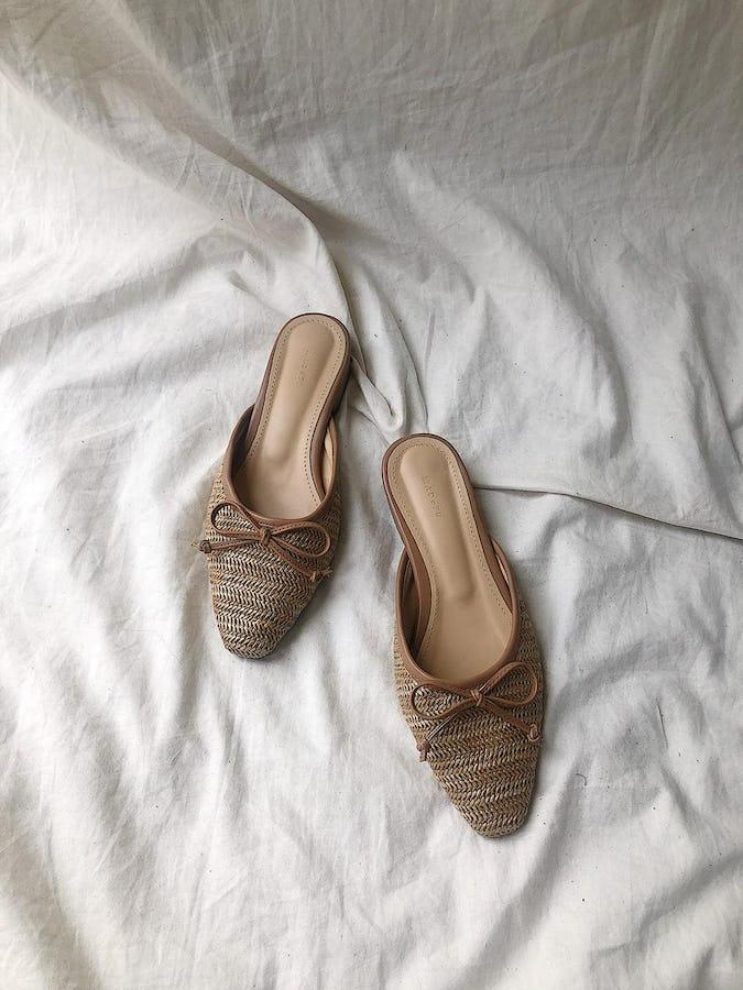 straw sandal-0