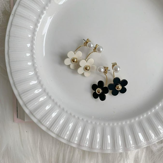 modern flower pierce-0