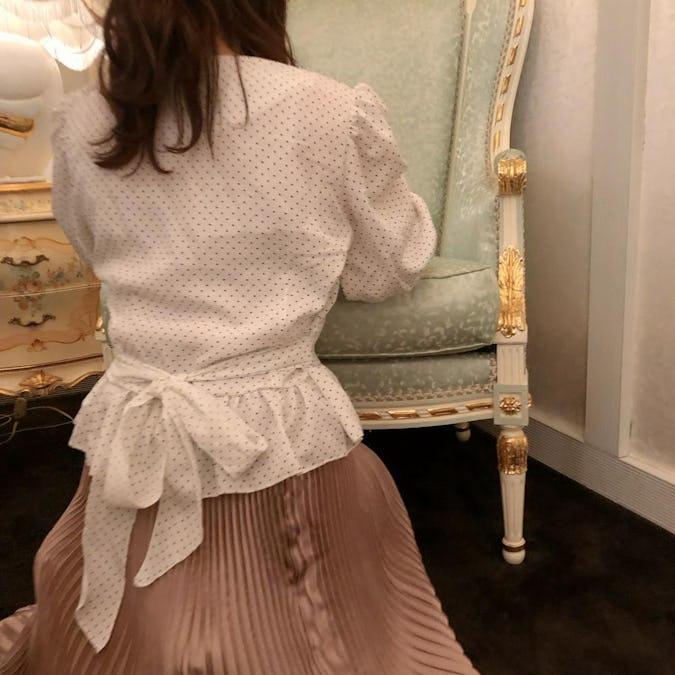 dot back ribbon blouse