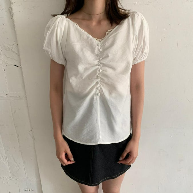 button line blouse