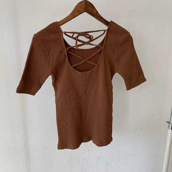 背中紐ニットTシャツの画像23枚目