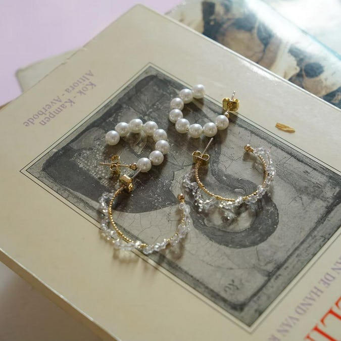 pearl mix vintage earring