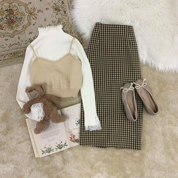 simple knit bustier