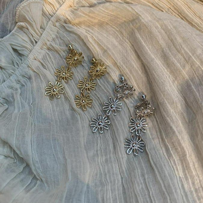 flower chain earring