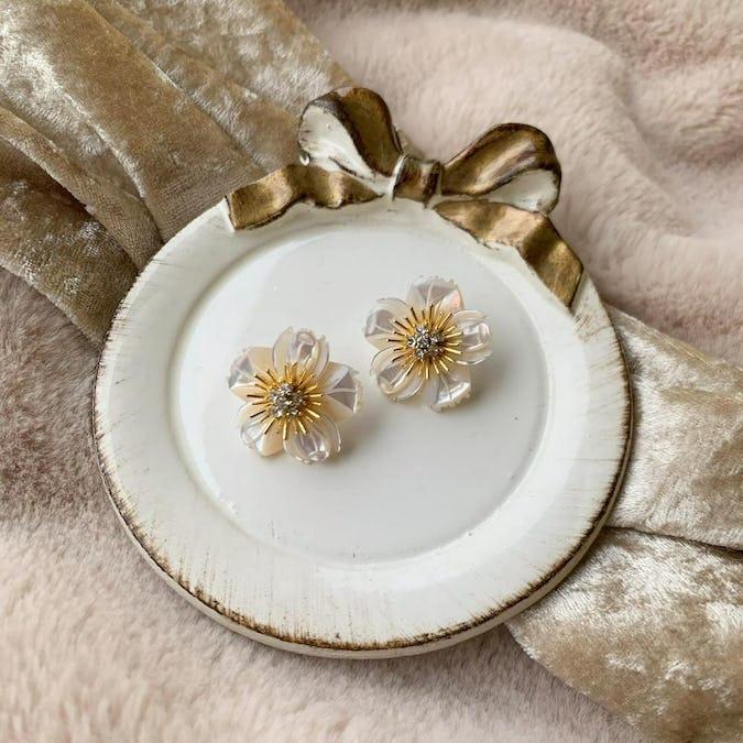 shell flower earring