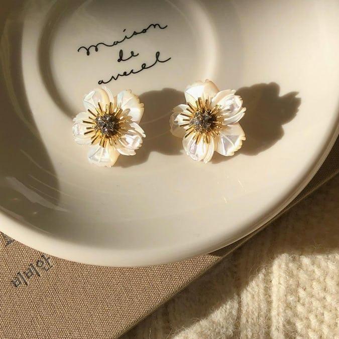 shell flower earring-0