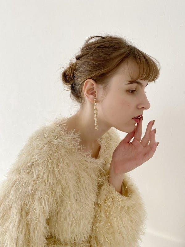 swing gold earringsの画像1枚目