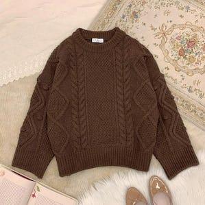 brown ponpon knit