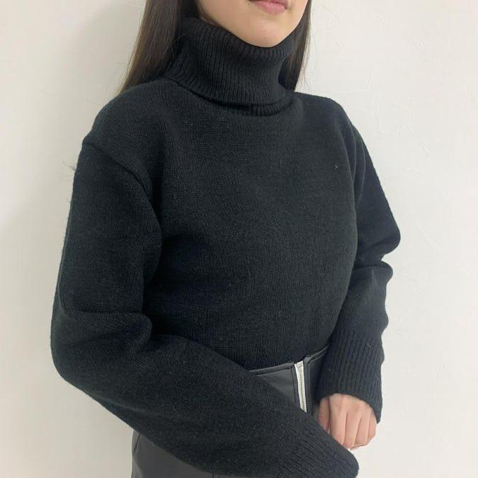 short highneck knit