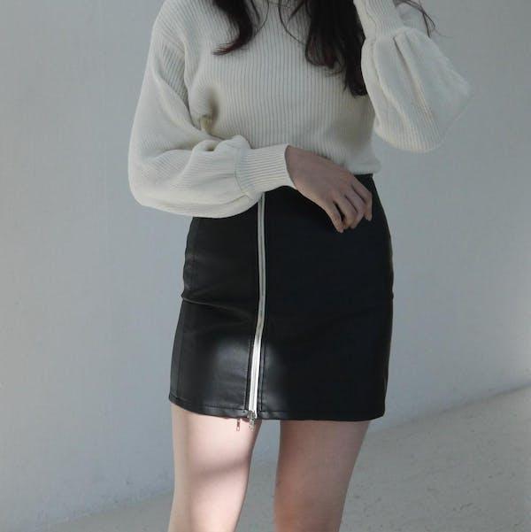レザーミニスカートの画像2枚目