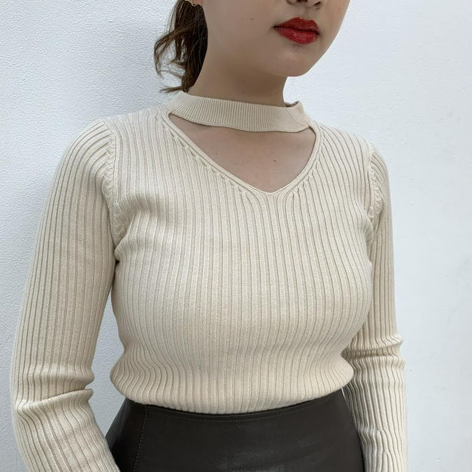 choker neck knit