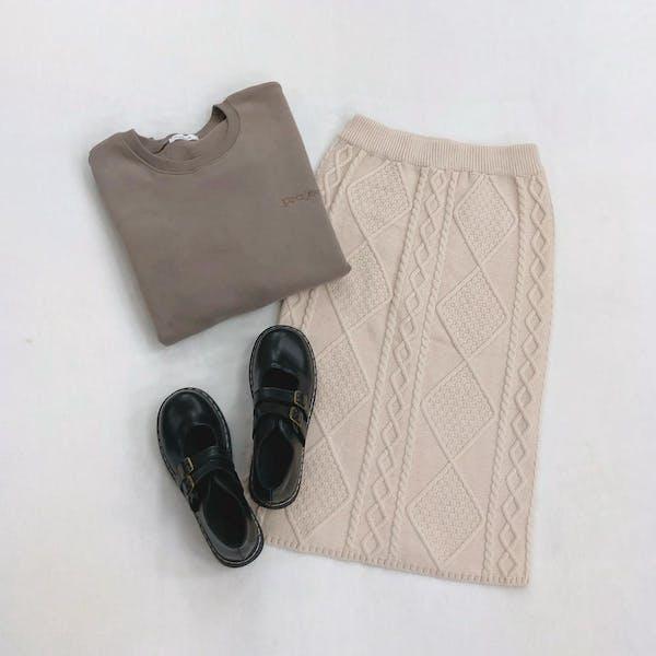 ケーブルニットスカートの画像3枚目