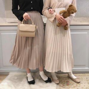 光沢ラテプリーツスカート