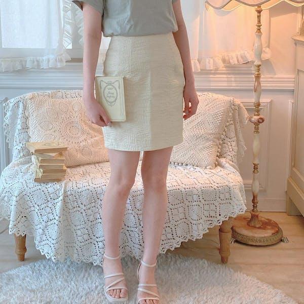 レザーミニスカートの画像1枚目