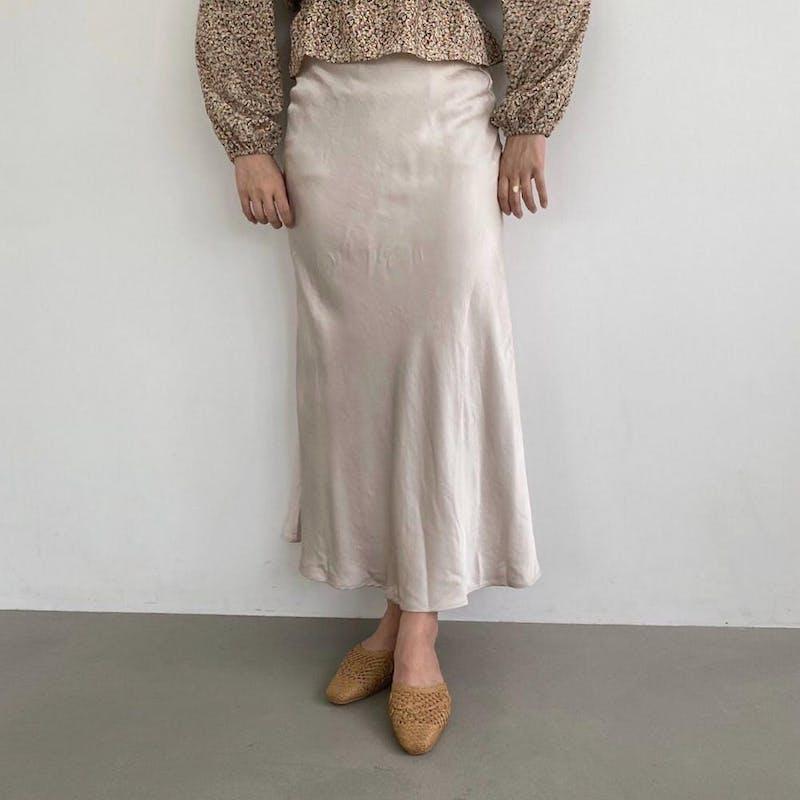 サテンロングスカートの画像7枚目