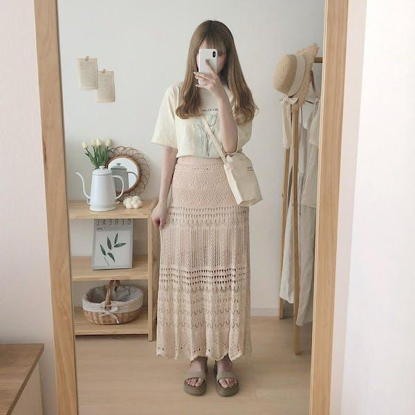 透かし編みニットスカートの画像2枚目