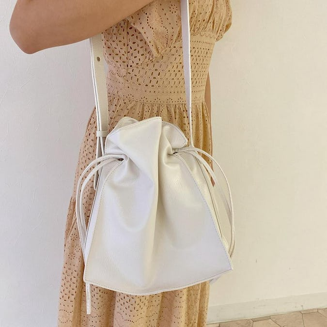 milk shoulder bag